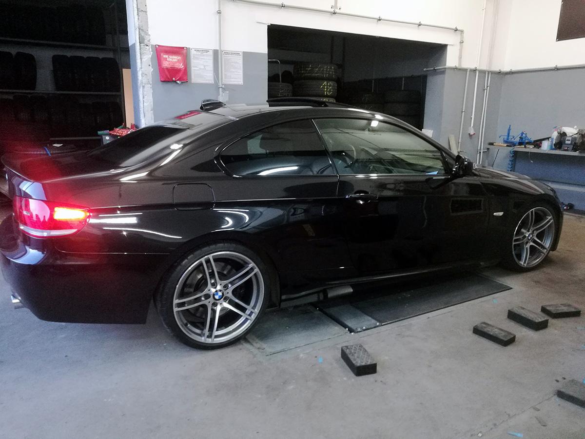 Wymiana opon w BMW 3